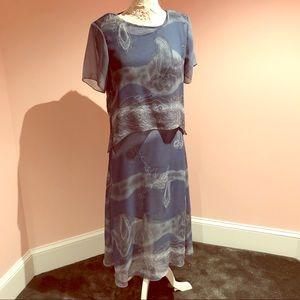 Pretty vintage flowing dress